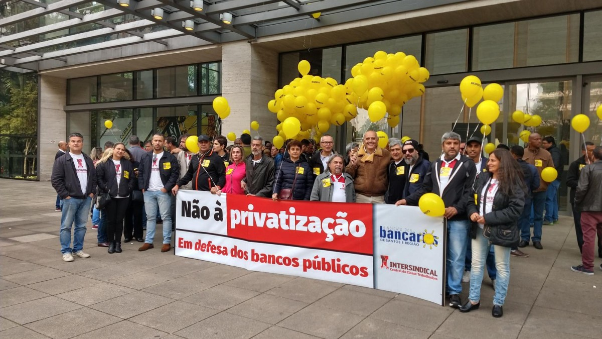 Protesto na Paulista pela manutenção da Cassi