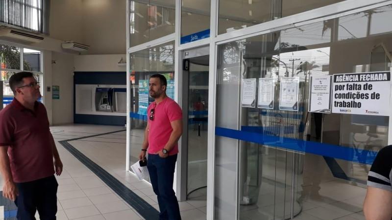 Ag. da Caixa no Guarujá é paralisada por falta de climatização