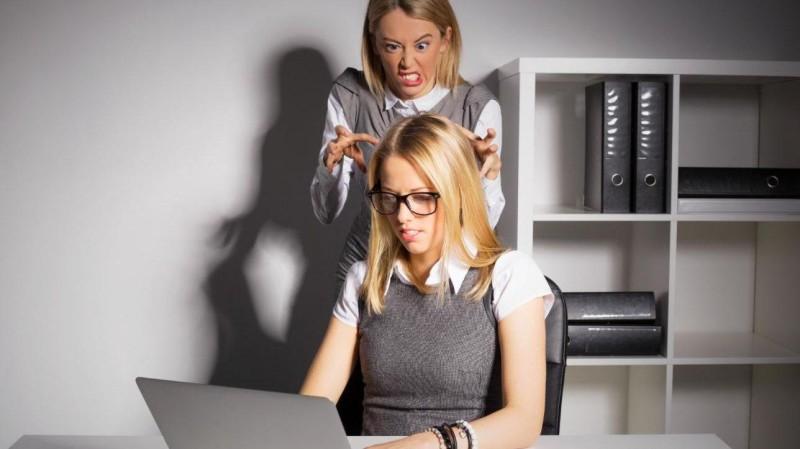 Assédio Moral no Trabalho: empregados terão que ser indenizados pela empresa e pelo INSS, confira
