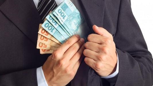 Executivo de banco conta como se compram políticos, juízes e jornalistas em entrevista a Jessé Souza
