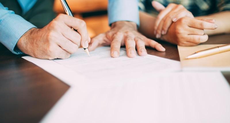 Assinado acordo que garante melhorias na PLR do Mercantil do Brasil