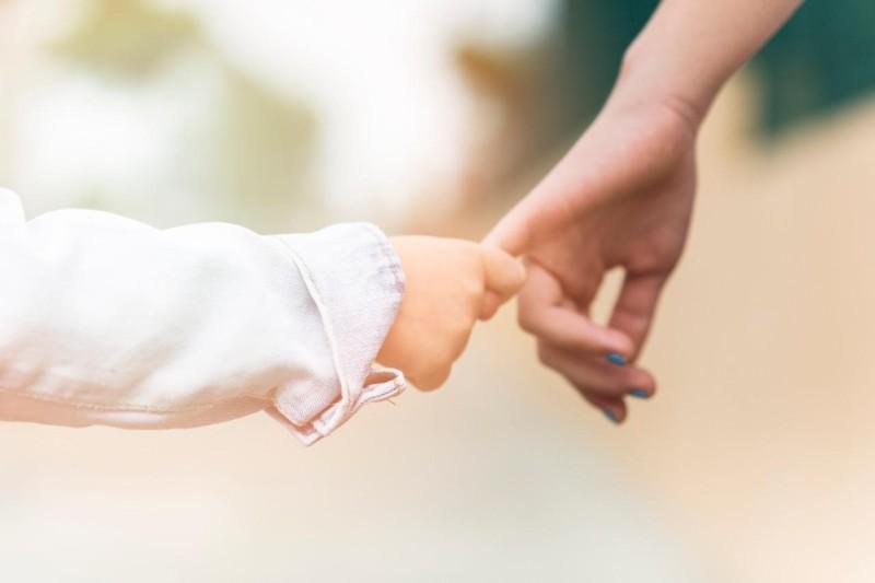 Mãe adotante tem direito a licença-maternidade igual a gestante