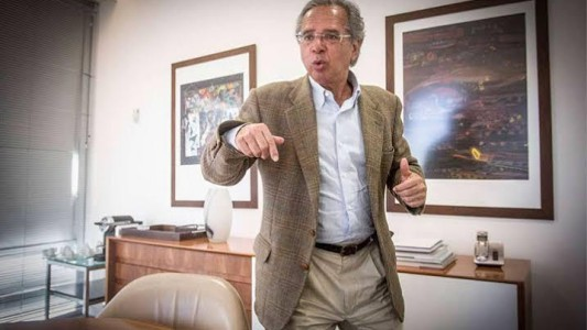 Paulo Guedes quer implantar modelo chileno no Brasil