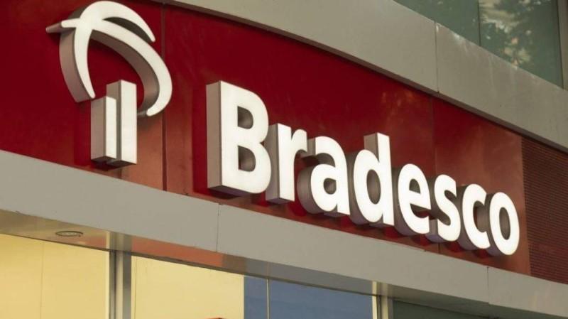 Bancários questionam fechamento de 450 agências do Bradesco