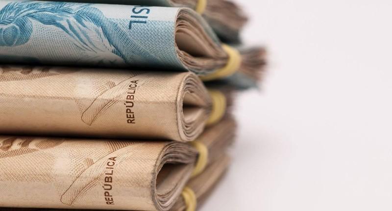 Justiça manda banco indenizar bancária por transporte inseguro de valores