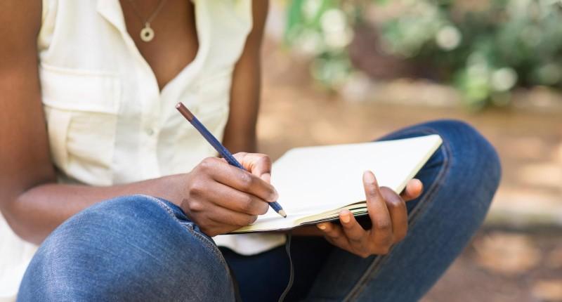 Itaú abre inscrições para bolsas de estudo