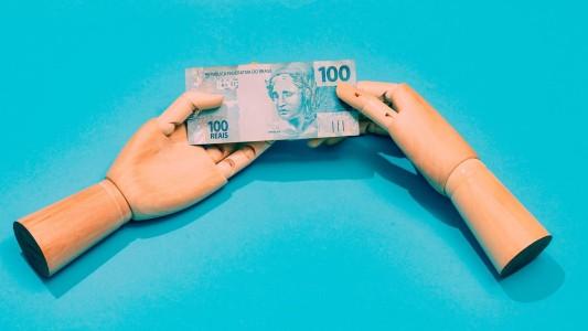 Bancos lucram enquanto famílias sofrem pagando boletos