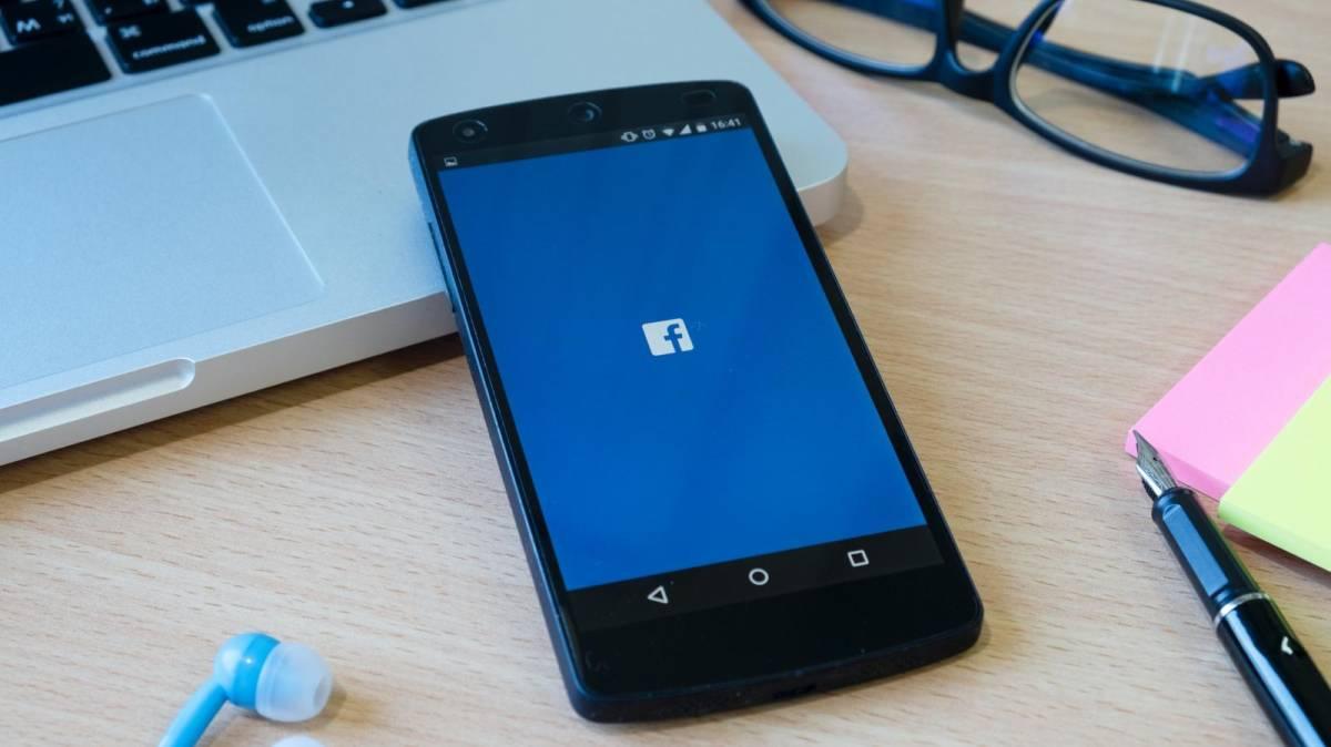 Facebook é multado em R$ 6,6 mi por compartilhar dados de brasileiros