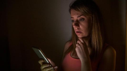 Mãe e filha são condenadas por vazar fotos íntimas de jovem no WhatsApp