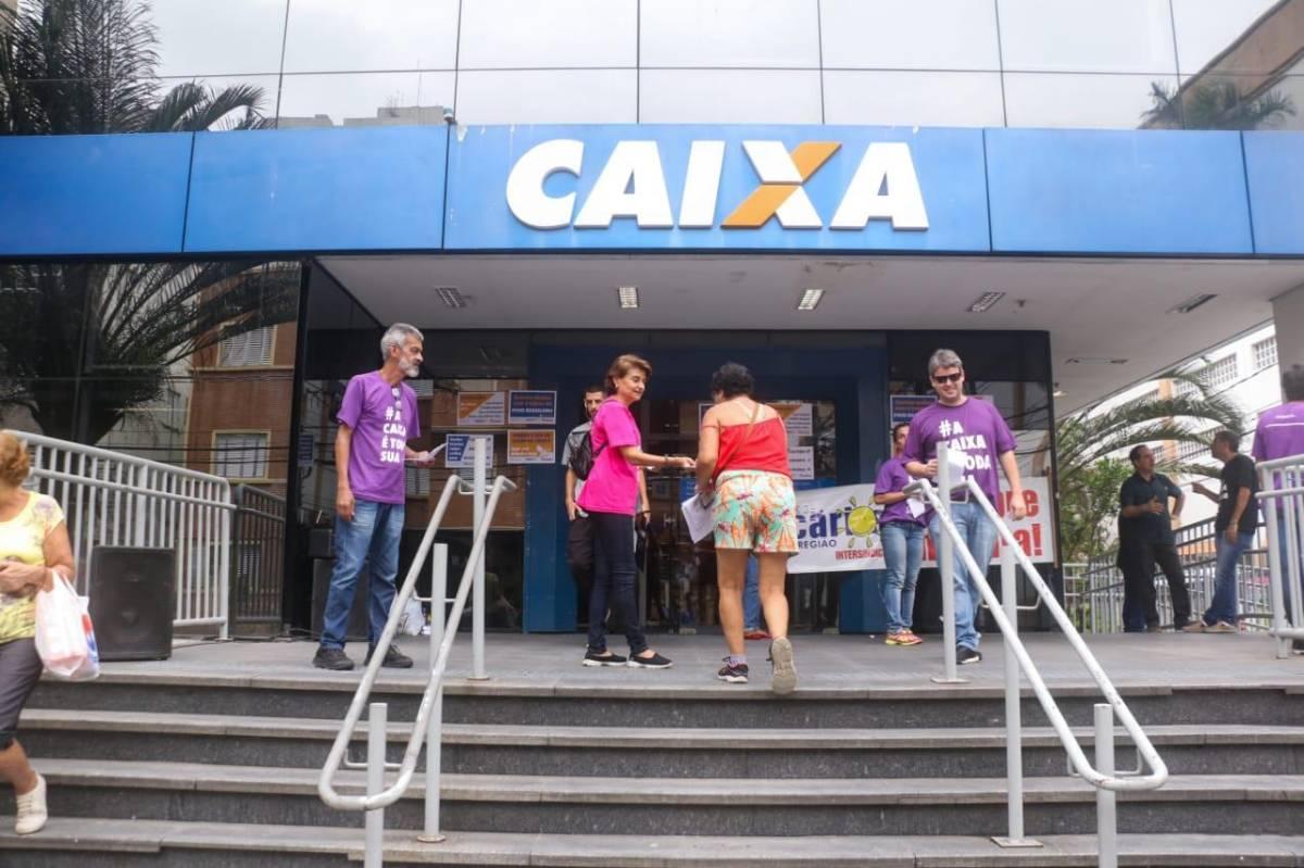Sindicato protesta contra privatização da Caixa