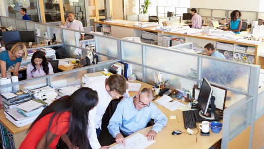 Como evitar o coronavírus no ambiente de trabalho