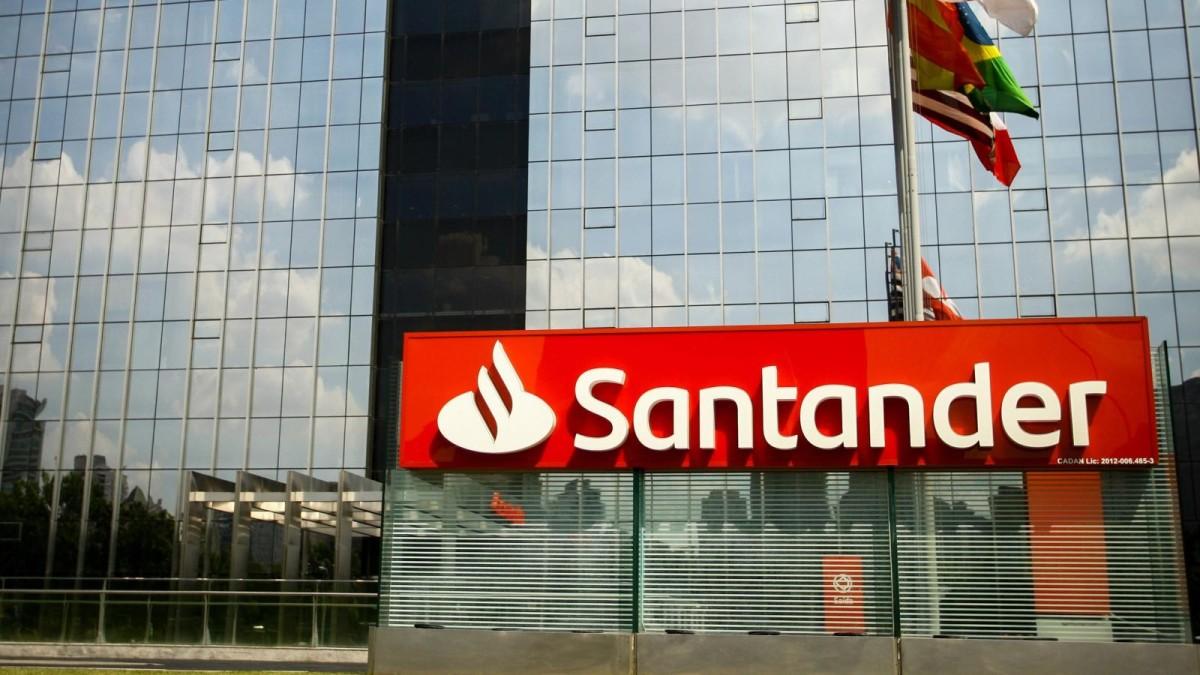 Coronavírus: Santander disponibiliza telefone para bancários