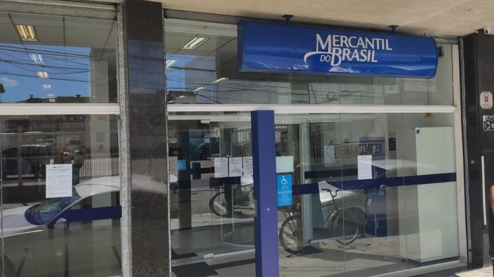 [Mercantil obriga bancários a aglomerar até 30 pessoas nas agências]
