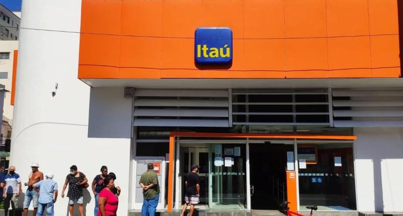 Bancários debatem sobre férias e banco de horas com o Itaú