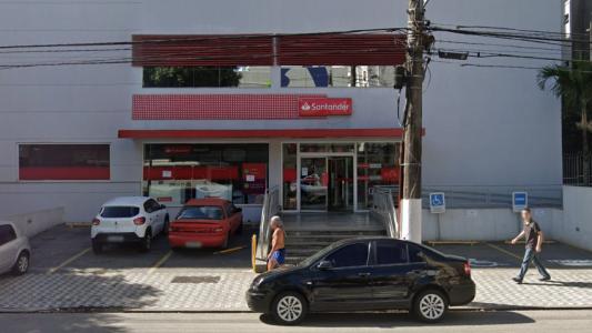 Superintendente do Santander expõe bancários a contaminação pelo Coronavírus