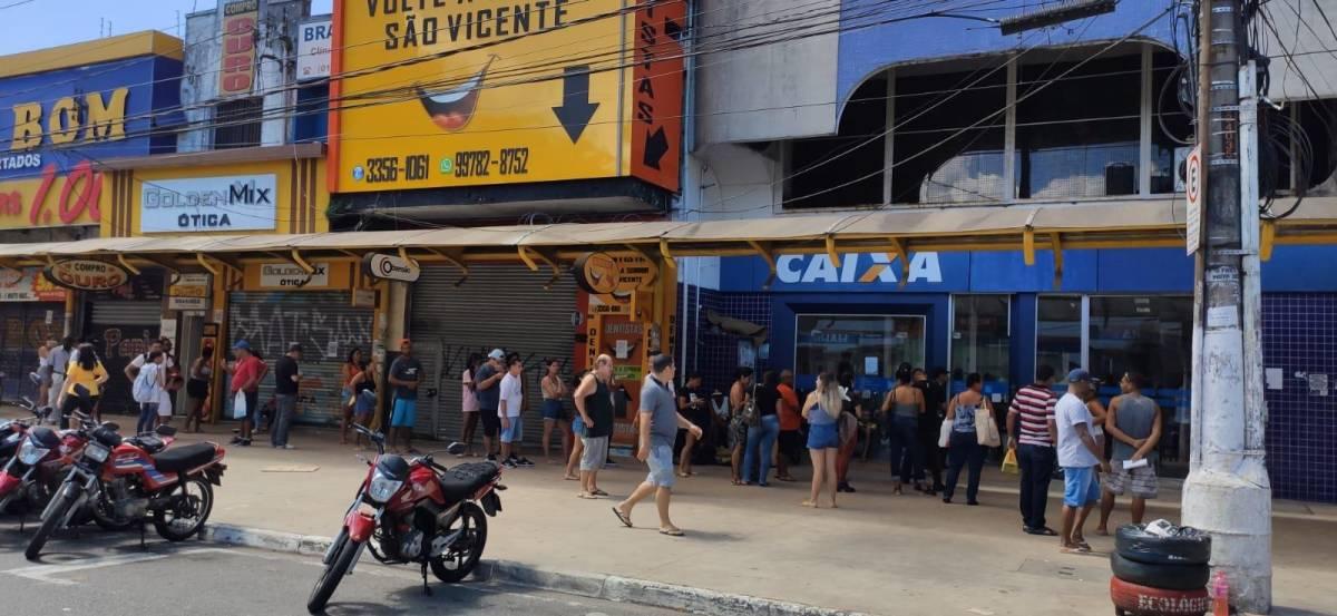 Bancários repudiam fala do presidente da Caixa sobre expediente de agências