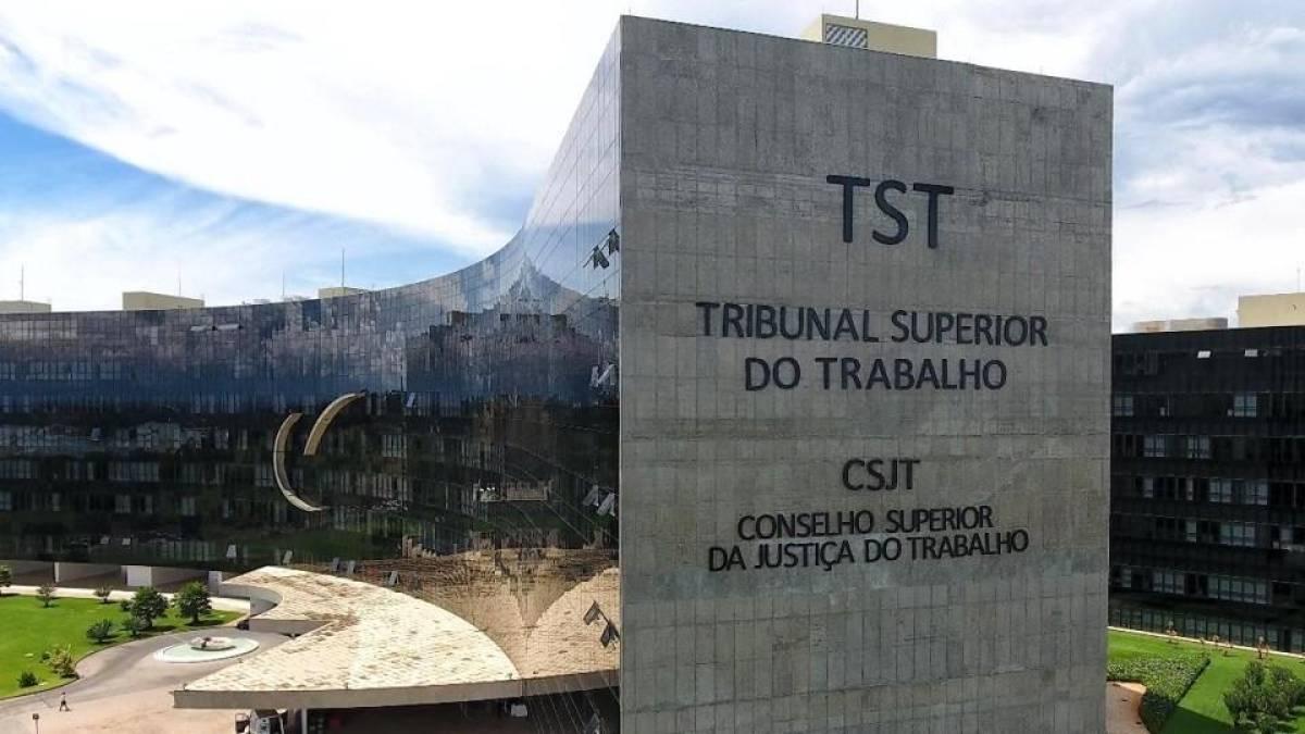 Reforma trabalhista não incide em contratos anteriores à sua vigência, diz TST