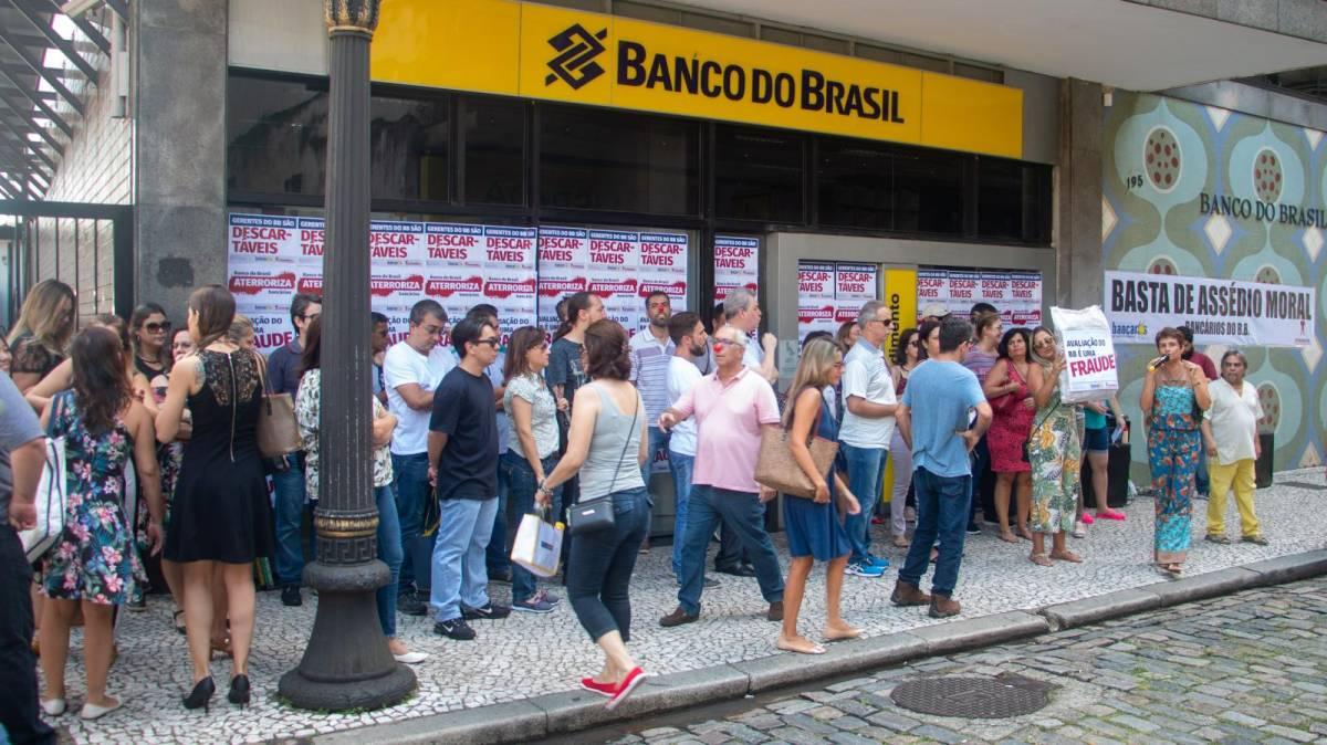 CEBB retoma negociações com o banco