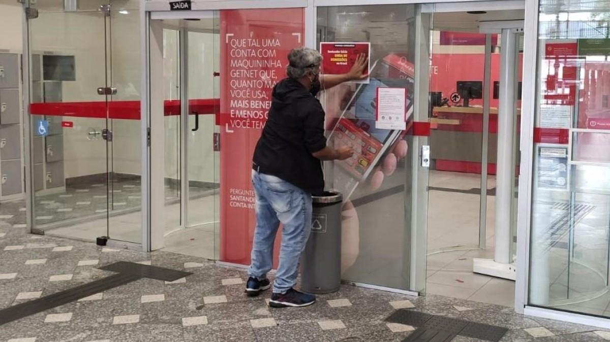 Santander demite após assumir compromisso público de manter empregos
