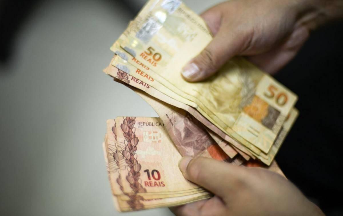 Transformar auxílio emergencial em Renda básica permanente