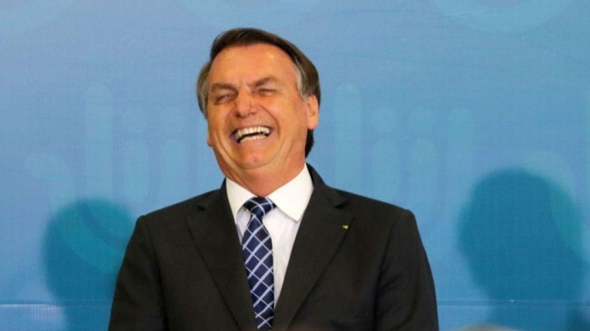 Na calada da noite, Bolsonaro edita MP que facilita venda de ativos da Caixa