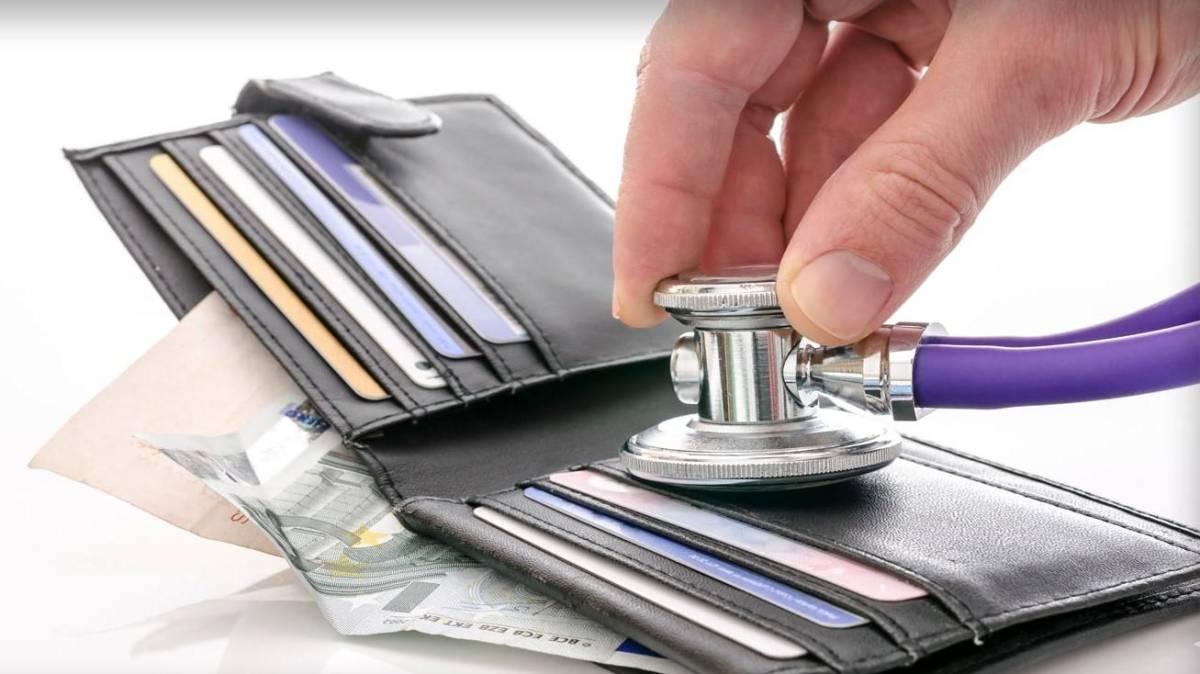 Planos de saúde não podem ter aumento anual nem por faixa etária