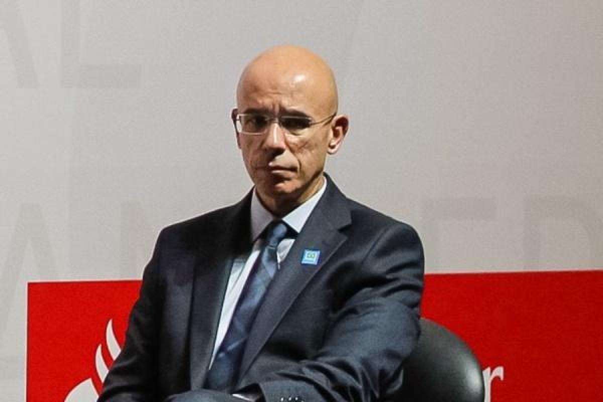 Bloomberg mostra ao mundo desrespeito do santander com os brasileiros