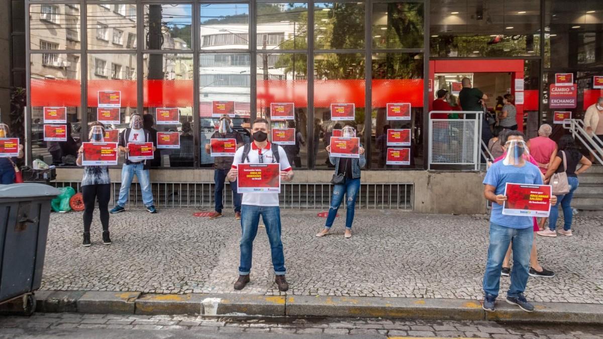 Movimento sindical exige que Santander retire Termo do LGPD