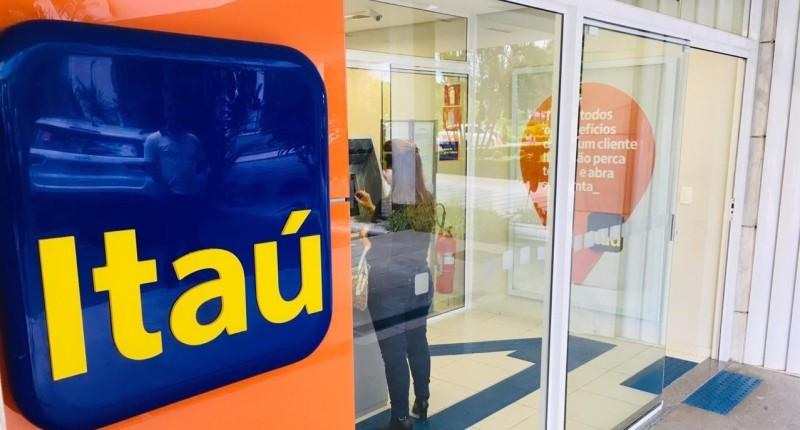 Sindicatos cobram do Itaú o fim das demissões feitas em plena pandemia