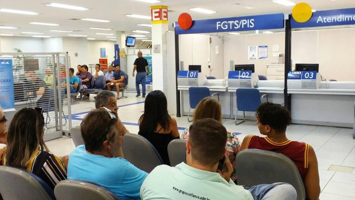 Juiz condena Caixa a indenizar trabalhador que não conseguiu sacar FGTS