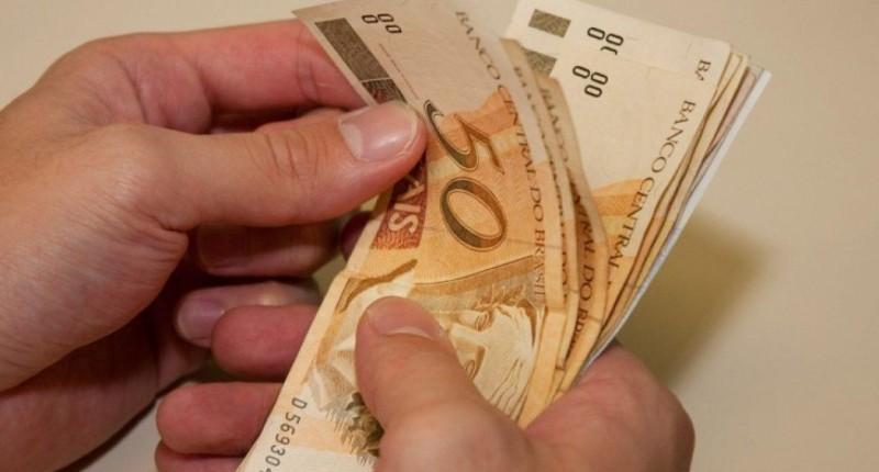 Bancária que transportava valores sem segurança receberá indenização