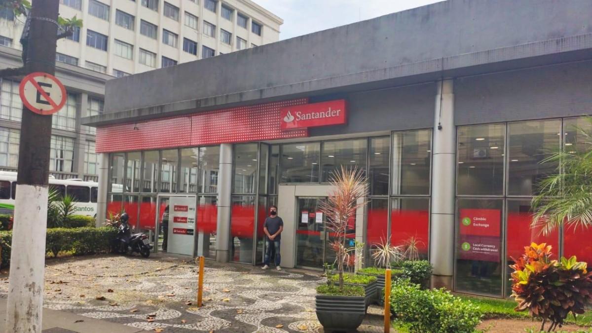 Denúncias relatam assédio, ameaças e demissões no Santander