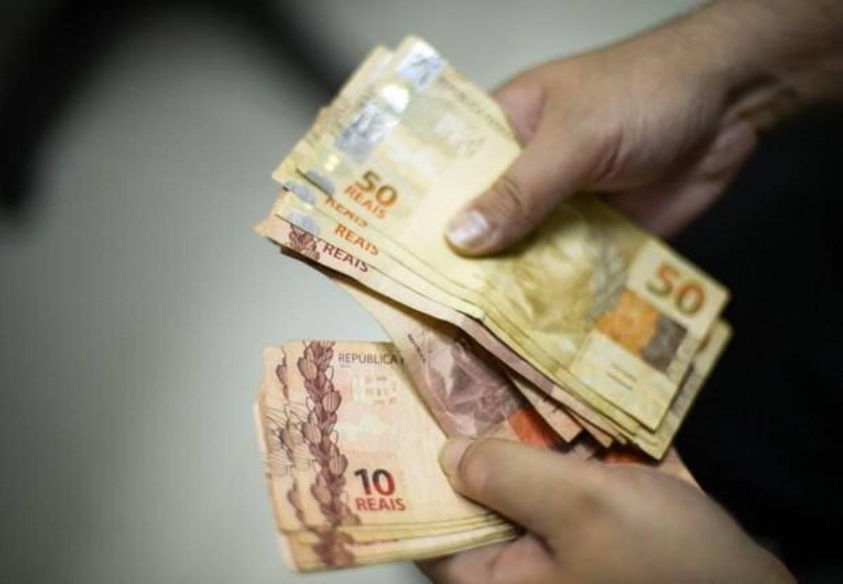 Dieese: mínimo de R$ 1.067 é menos de 25% para uma família sobreviver