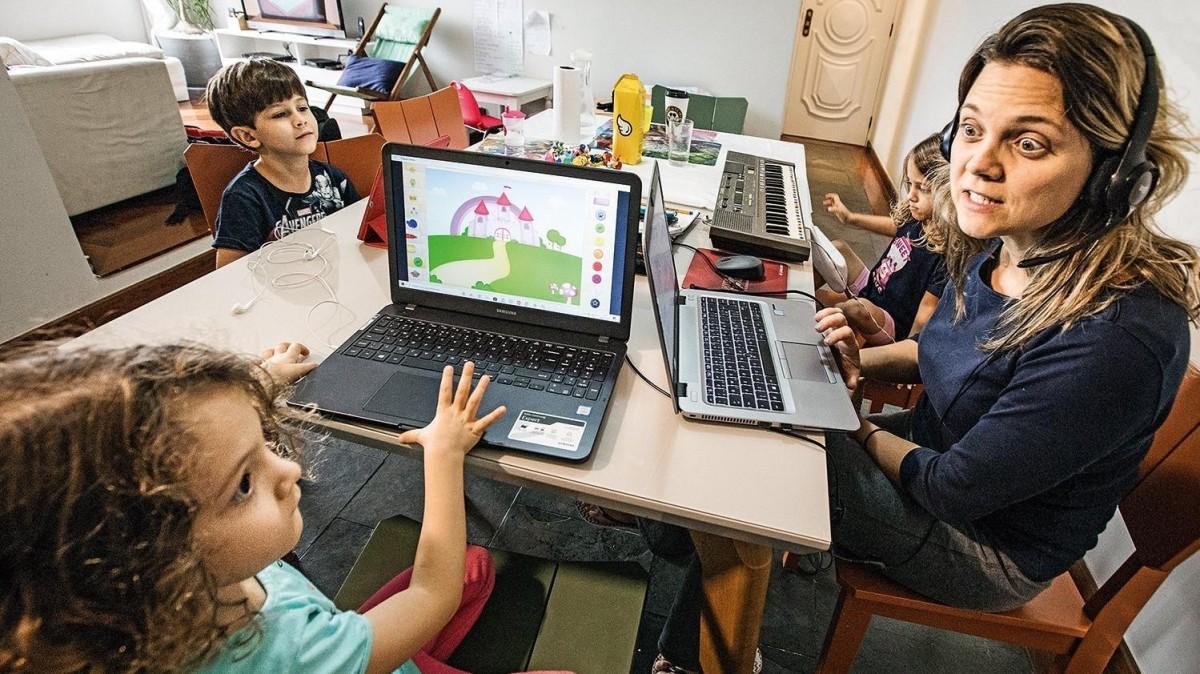 Itaú sugere que familiares evitem usar internet para não sobrecarregar sistema no teletrabalho