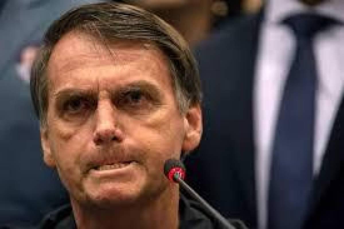 Bolsonaro libera veneno chinês, mas impede compra de vacina!