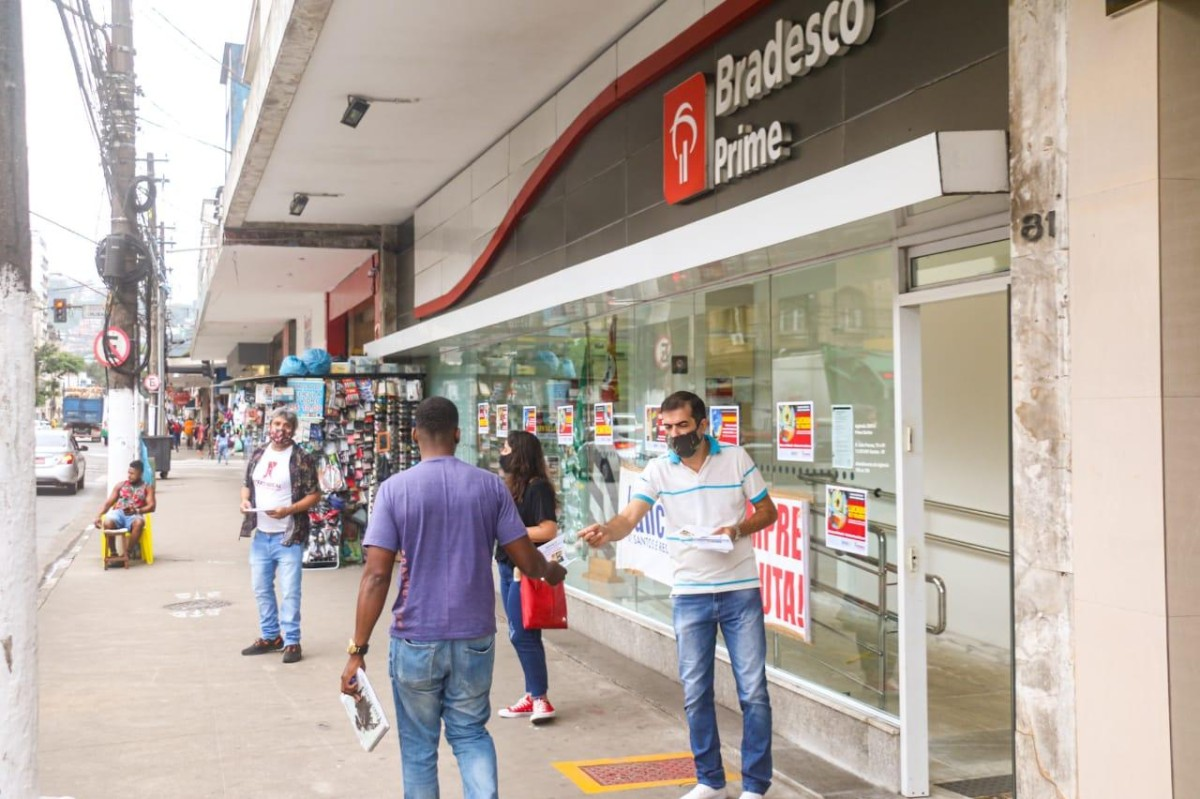 Hoje quarta, TUITAÇO contra demissões no Bradesco, às 11h
