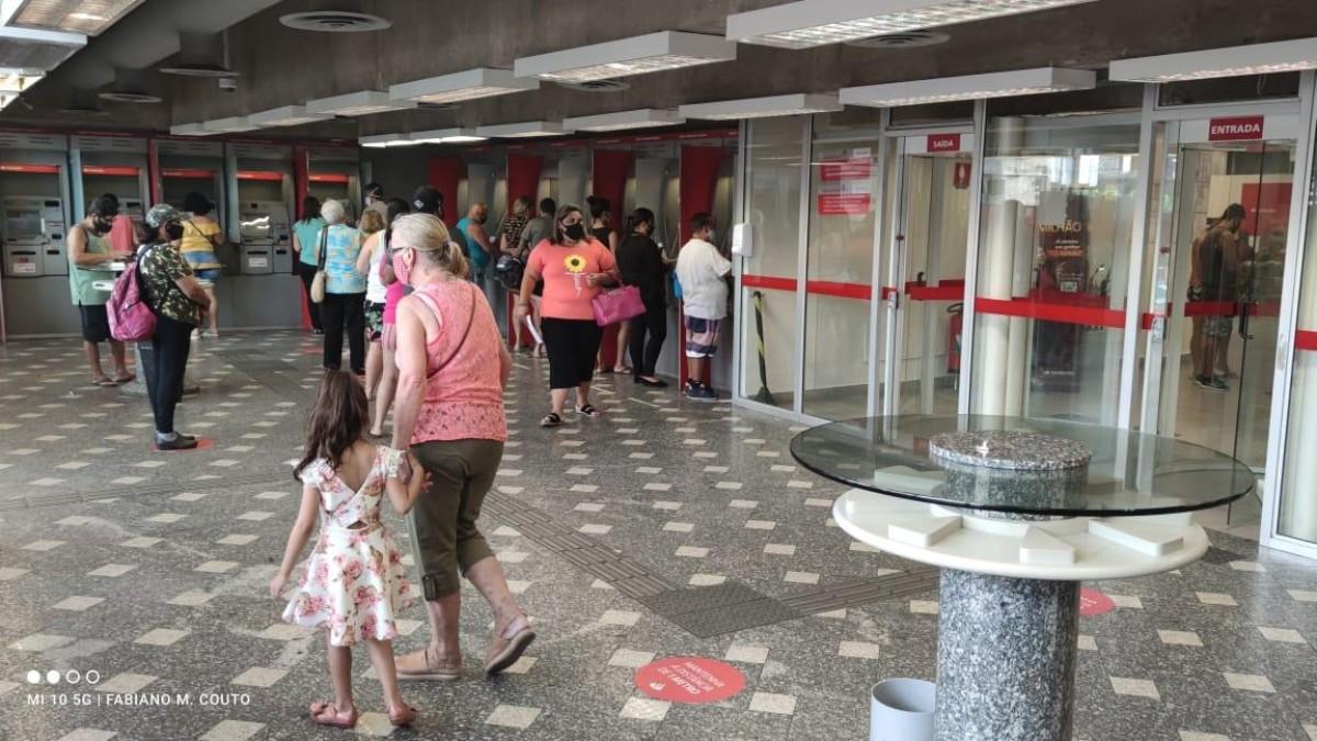 Covid-19: Bancários cobram negociação com o Santander