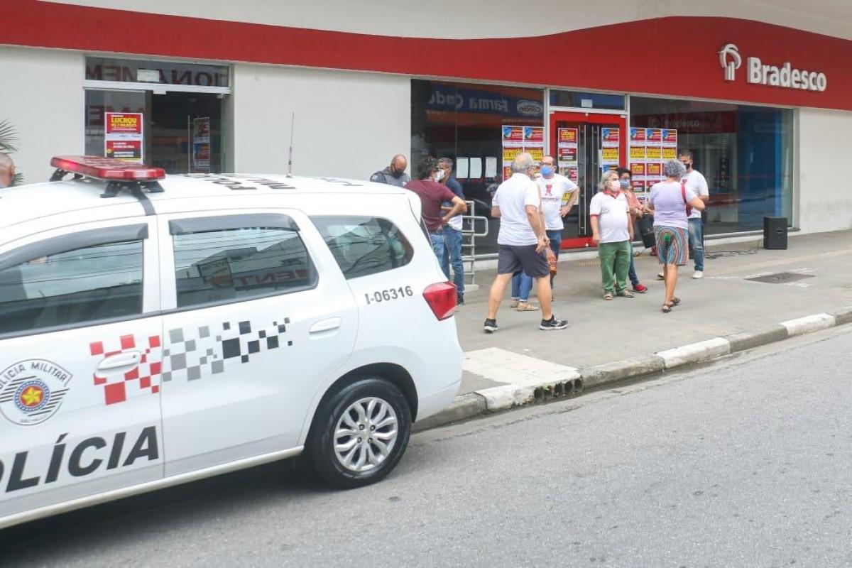 Sindicatos conquistam testes para dependentes de bancários do Bradesco