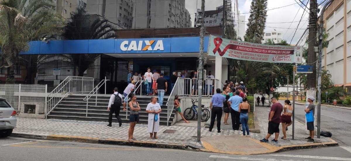 STF mantém ação que obriga a Caixa a contratar concursados