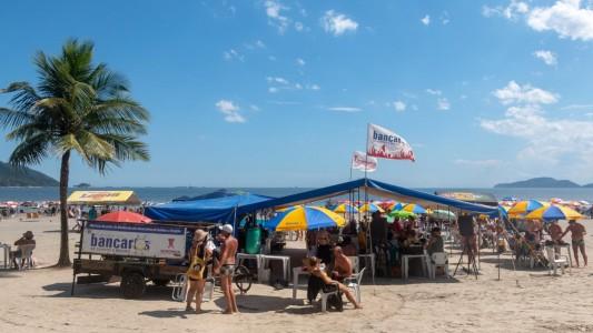 Barraca de praia é proibida de ser armada na Fase Vermelha depois do dia 27