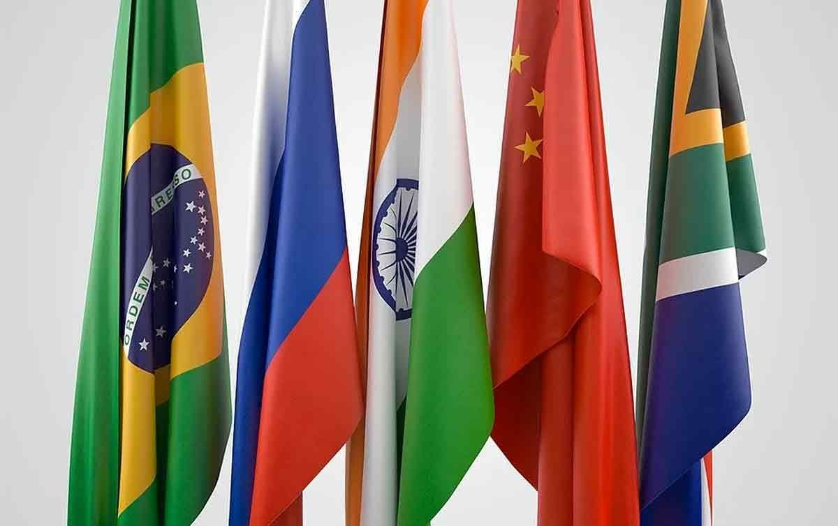 Brasil deixa de pagar aporte ao banco do Brics
