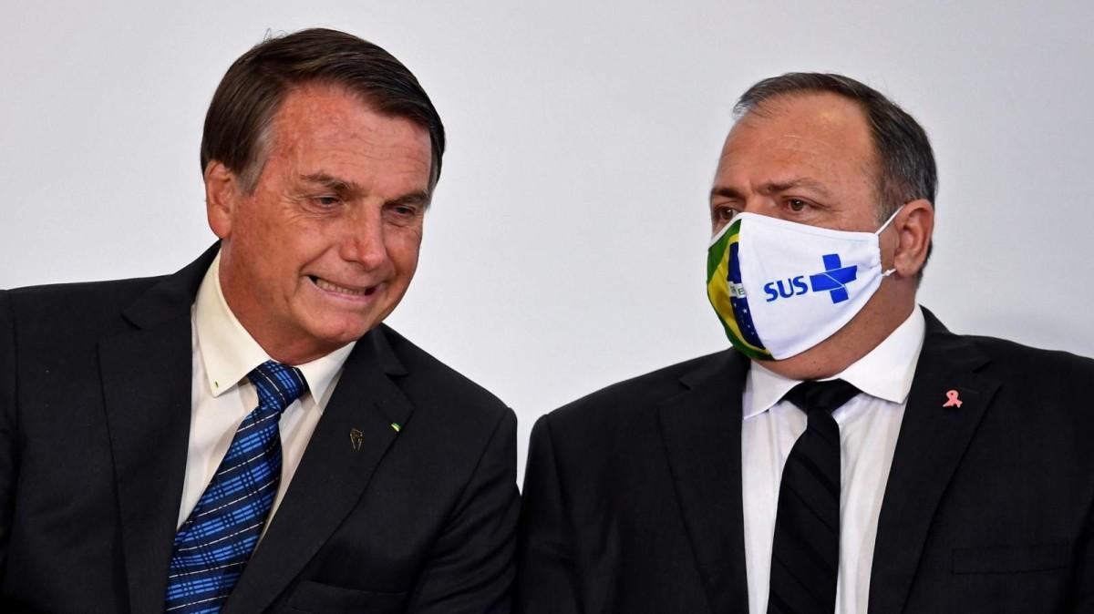 Ex-procuradores dizem à PGR que Bolsonaro cometeu crimes contra saúde