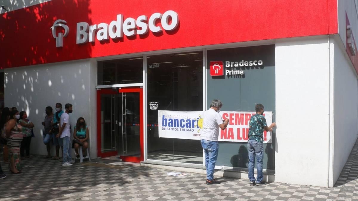COE cobra reunião sobre fechamento de mais 450 agências do Bradesco
