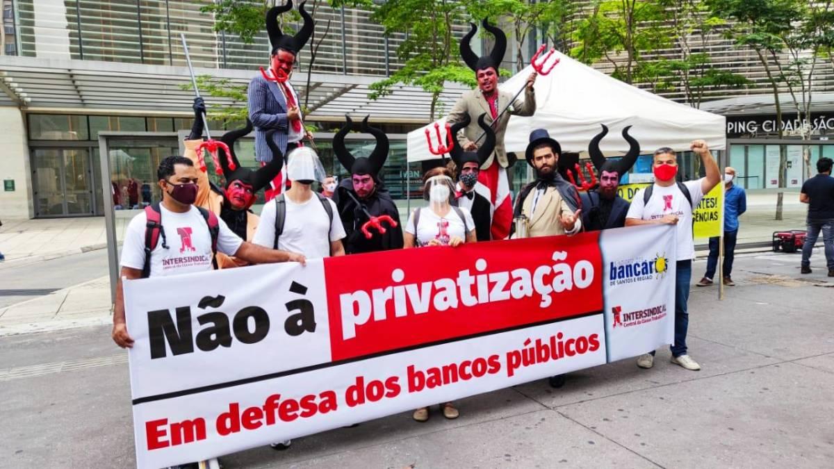 Bolsonaro quer fechar agências e demitir funcionários do BB
