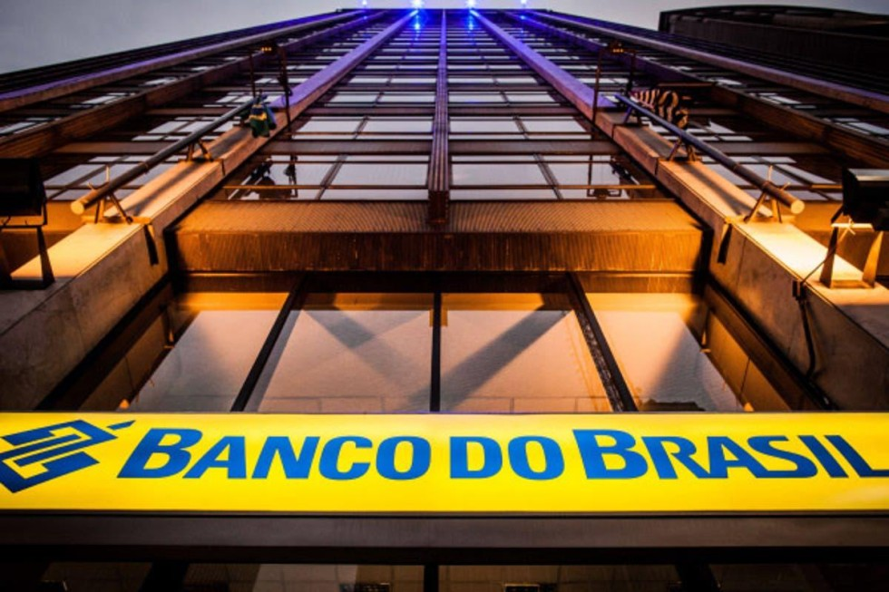 [Entrevista: Banco do Brasil, Caixa e Petrobras já estão sendo privatizados]