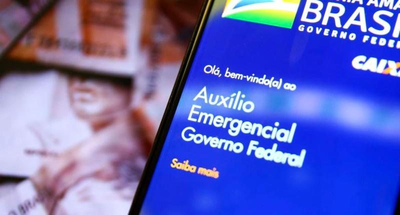 Governo quer liberar auxílio emergencial em 3 parcelas de R$ 200