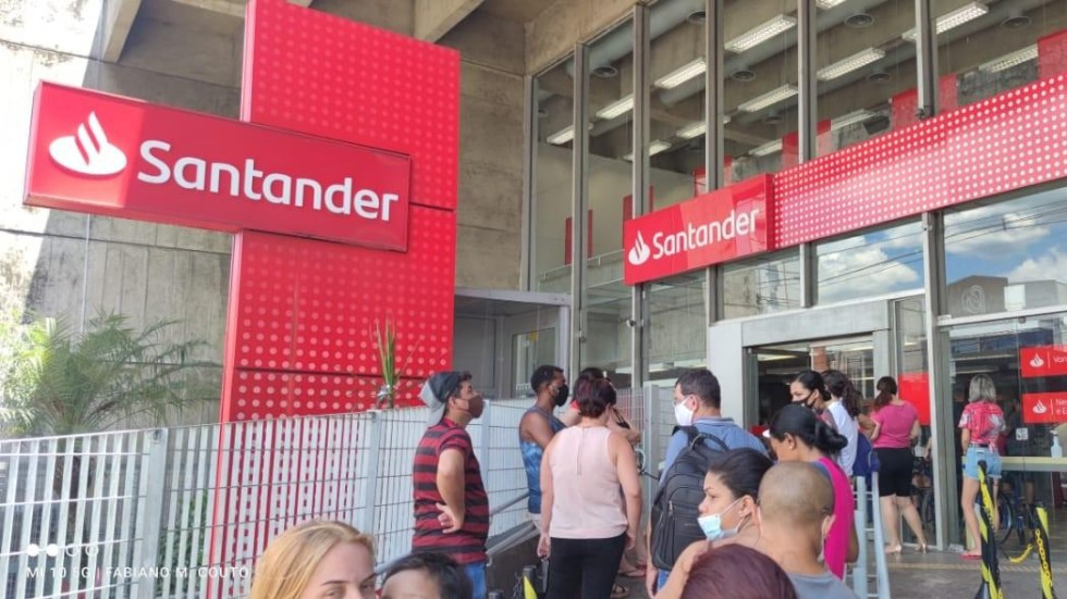 [Santander: assembleia dos funcionários prorrogação de banco de horas]