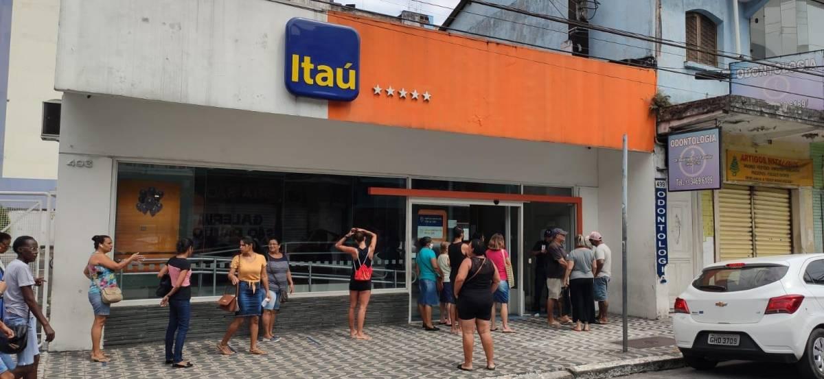 Tribunal de Justiça-PB aumenta multa do Itaú por demora em fila