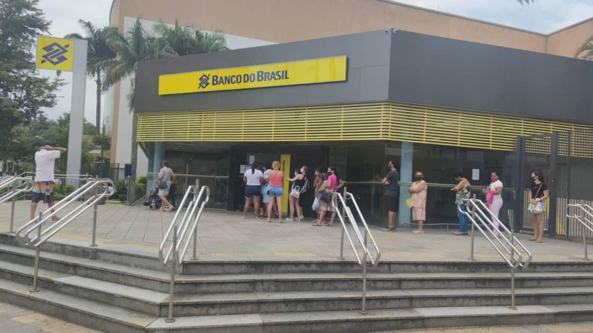 Bancários e Sindicato pressionam e BB precarizado instala refrigeração