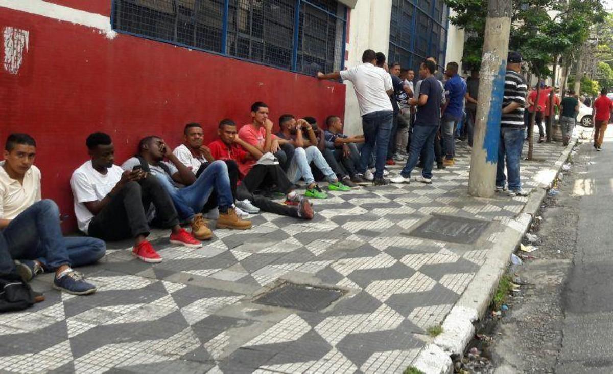 Desemprego recorde atinge 14,4 milhões de brasileiros em 1 ano